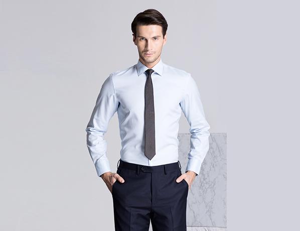 浅蓝色素色精选天山棉衬衫