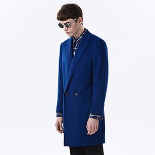 蓝色素色双排扣西装大衣