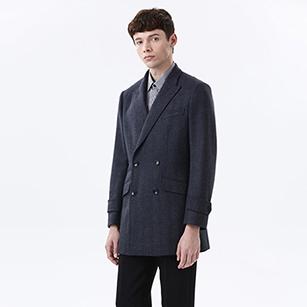 灰色双排扣短款大衣