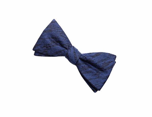 深蓝色印花领结
