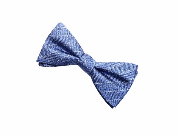 浅蓝色斜纹领结